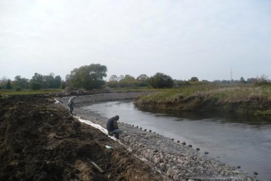 Umocnienie brzegu rzeki Gołdapa.